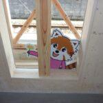 ガラス面にキャラクター貼り付け施工